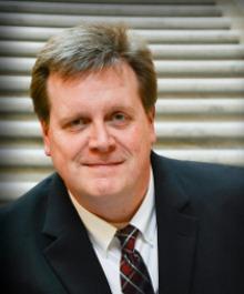 Portrait of Steven Yunker