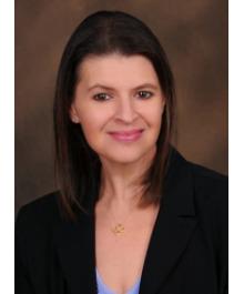 Portrait of Heather Dipko