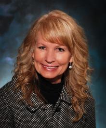 Portrait of Lynn Senfelds