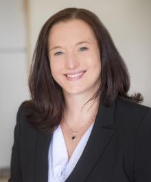 Portrait of Shannon Holt
