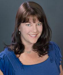 Portrait of Courtney Muska - Loomans Team