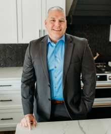 Portrait of Greg Damask