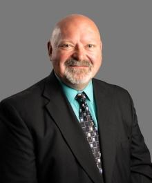 Portrait of Bob Derezinski