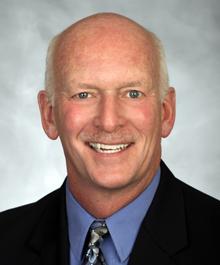 Portrait of Dan Anderson
