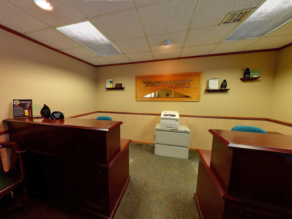Shorewest Realtors West Bend Hartford Office Is Located In Wisconsin Just Off The Hwy 45 Bypass 25 Minutes North Of Milwaukee At Edge