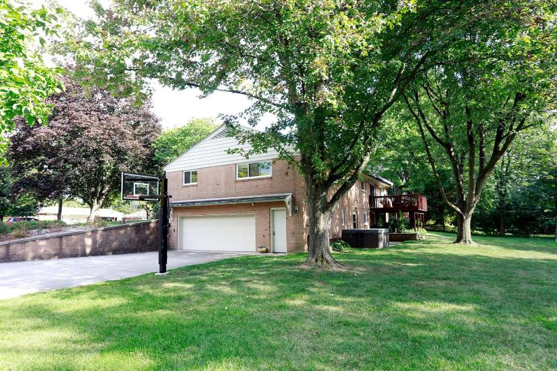 401 Mills Road,  Saline, MI 48176 by Real Estate One $385,000