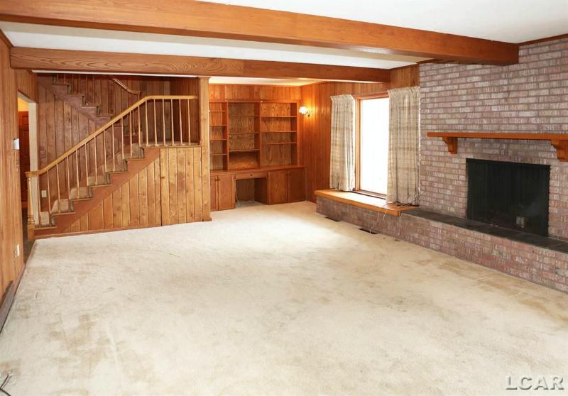 2552 Bent Oak Place Adrian, MI 49221 by The Wagley Group $299,000