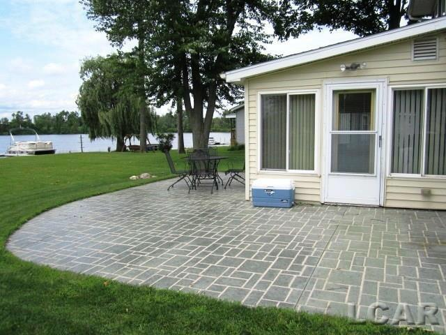 218 Sunset Drive Hudson, MI 49247 by Darr Real Estate $249,900