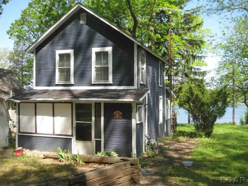 2210 Lakeview Dr Brooklyn, MI 49230 by Foundation Realty, Llc-Tecumseh $124,900