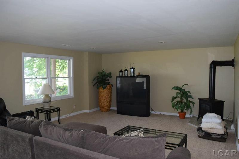 8609 Odowling Onsted, MI 49265 by Irish Hills Realty $799,000