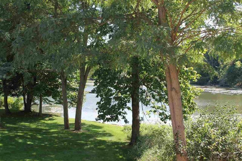 607 Shadow Brooke Lane Tecumseh, MI 49286 by Howard Hanna Real Estate Services-Tecumseh $269,900