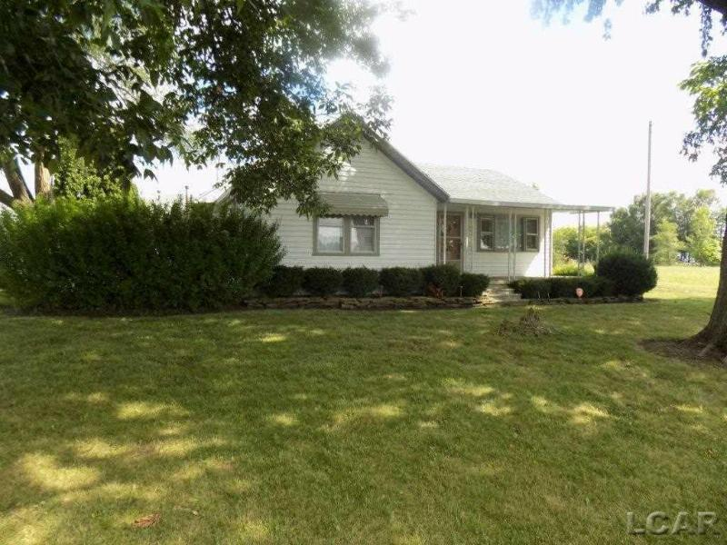 2206 W Beecher Adrian, MI 49221 by Xsell Realty $98,000