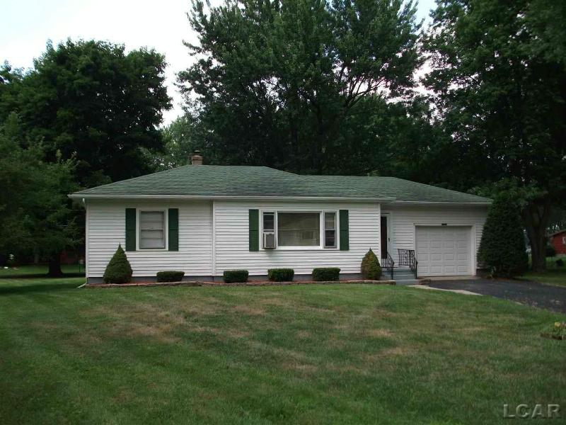 2372 E Clearview Adrian, MI 49221 by Foundation Realty, Llc $109,900