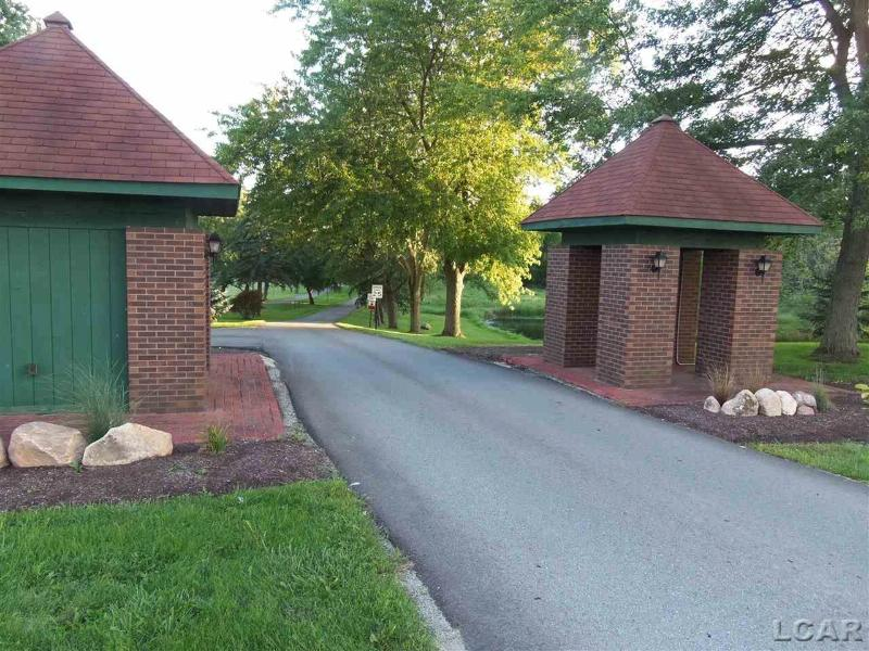 Castlebar LN BK Onsted, MI 49265 by Re/Max Main Street Realty $95,000