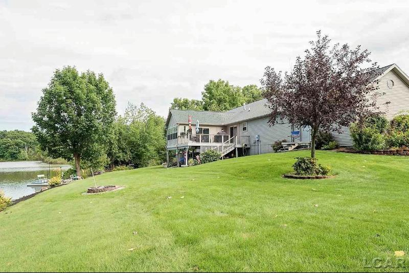 6944 Limerick Dr Onsted, MI 49265 by Re/Max Main Street Realty $436,000