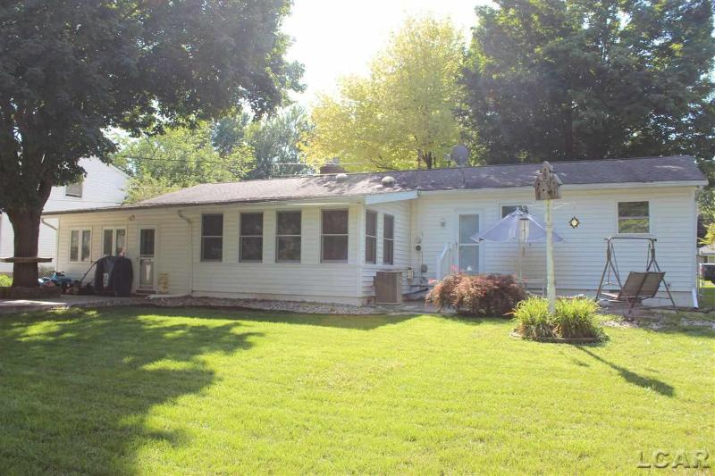 2703 Park Dr Adrian, MI 49221 by The Wagley Group $124,900