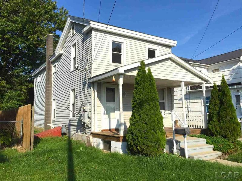 832 Division St Adrian, MI 49221 by Re/Max Main Street Realty $59,000