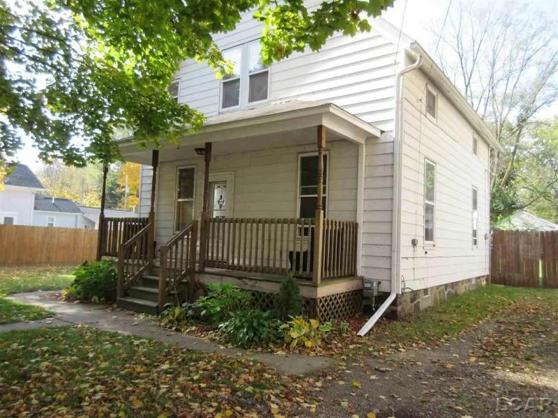 405 N Jackson Clinton, MI 49236 by Xsell Realty $85,000