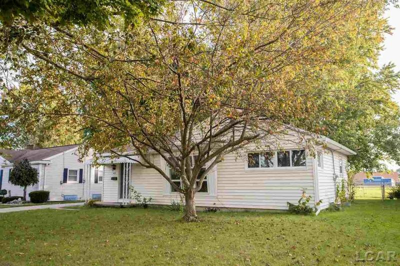 417 Riverside Ave. Adrian, MI 49221 by Foundation Realty, Llc $84,900