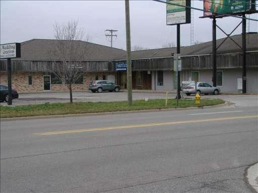 2074 S CUSTER Monroe, MI 48161 by Coldwell Banker Haynes R.e. $1,575