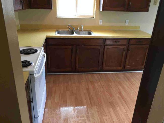 6595 WHITEFORD CENTER ROAD Lambertville, MI 48144 by Berkshire Hathaway Hudkins Realtors $199,900