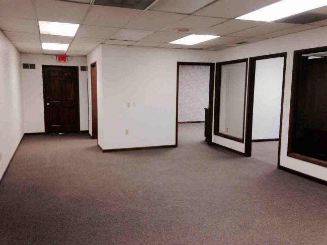 822 S MONROE Monroe, MI 48161 by Berkshire Hathaway Hudkins Realtors $1,200