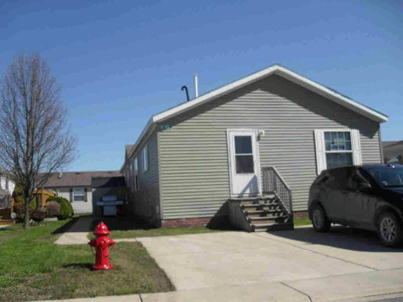 951 CAMERON CIRCLE Monroe, MI 48161 by Real Estate Solutions/Mi, Llc $54,900