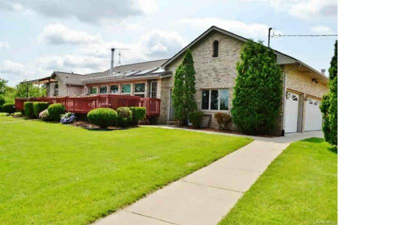 2600 W NEWBURG Carleton, MI 48117 by Howard Hanna $585,900
