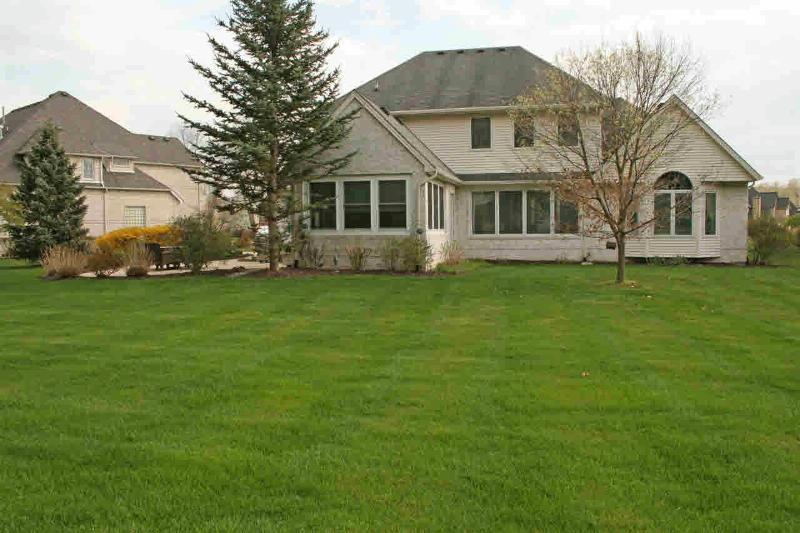 2139 COUNTRY CLUB CIRCLE Monroe, MI 48162 by Gerweck Real Estate $599,900