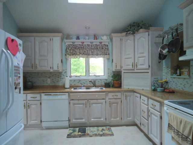 9961 STRASBURG Erie, MI 48133 by The Danberry Company $222,900