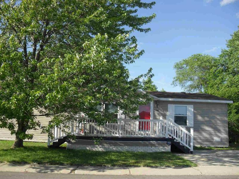 1552 IRONWOOD Monroe, MI 48161 by Real Estate Solutions/Mi, Llc $24,000