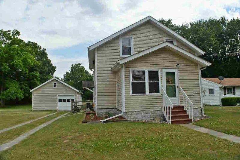 409 PICKARD Temperance, MI 48182 by Key Realty One $114,900
