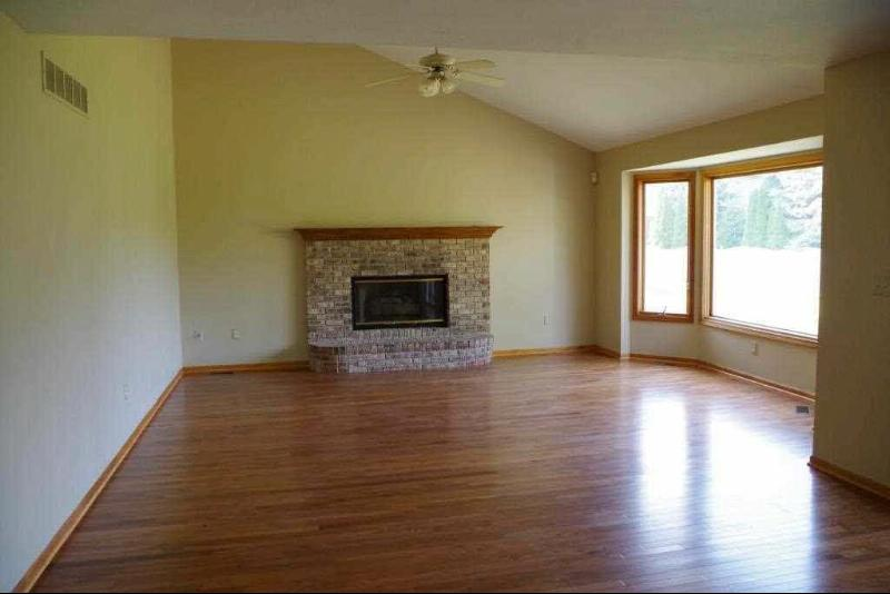 444 AVE DE LAFAYETTE Monroe, MI 48162 by Howard Hanna $289,000