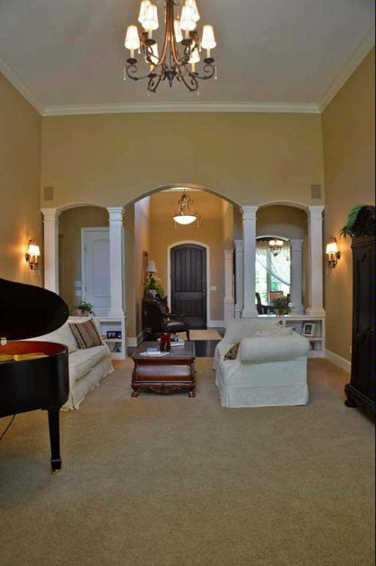 1391 CASTLEBURY DR Temperance, MI 48182 by Real Estate 4u $624,900