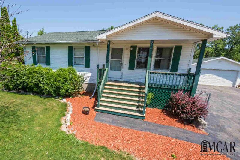 7462 CANAL ST Newport, MI 48166 by Key Realty One $124,900