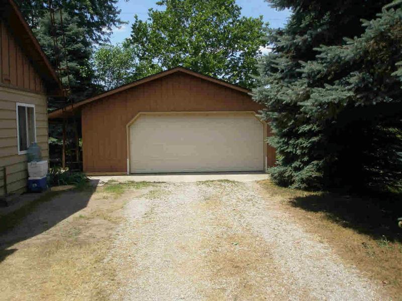 9625 MINX Temperance, MI 48182 by Sulphur Springs Michigan $147,900