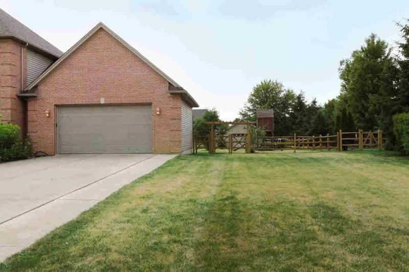 331 GOLFVIEW WAY Monroe, MI 48162 by Key Realty One $319,900