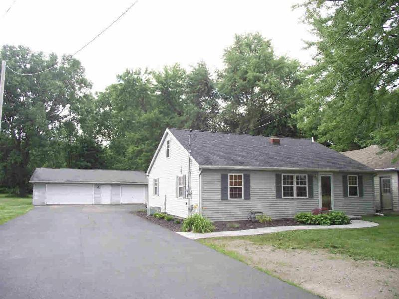 6503 SECOR Lambertville, MI 48144 by Re/Max Central Group $149,900