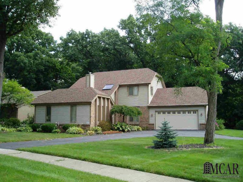 6940 STREAMVIEW Lambertville, MI 48144 by Welles Bowen Gio Realty Inc. $259,900