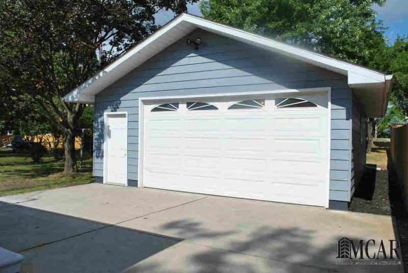 728 JEROME Monroe, MI 48161 by Coldwell Banker Haynes R.e. $109,900