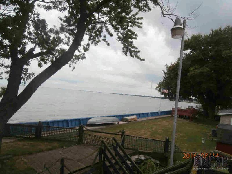 11026 HAROLD DR Luna Pier, MI 48157 by Gerweck Real Estate $193,000