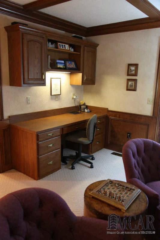 15058 POPLAR DR Monroe, MI 48161 by Gerweck Real Estate $424,900