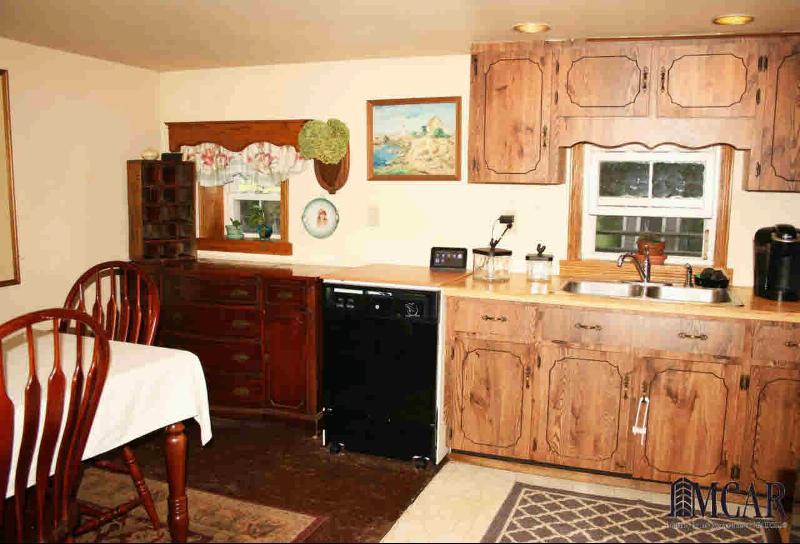 2492 N CUSTER Monroe, MI 48162 by Gerweck Real Estate $139,900