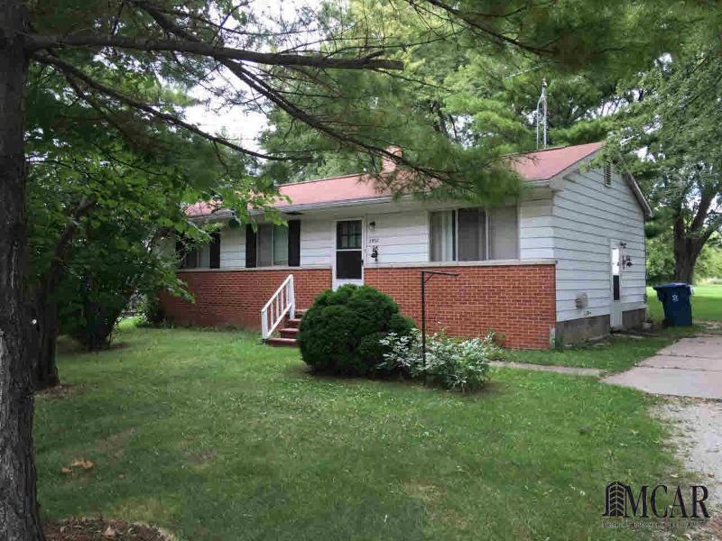 2932 N CUSTER RD Monroe, MI 48162 by Gerweck Real Estate $129,900