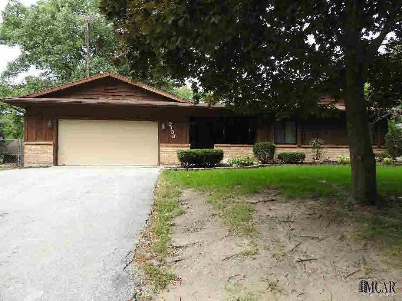 9133 OAKRIDGE DR Temperance, MI 48182 by Key Realty One $149,900