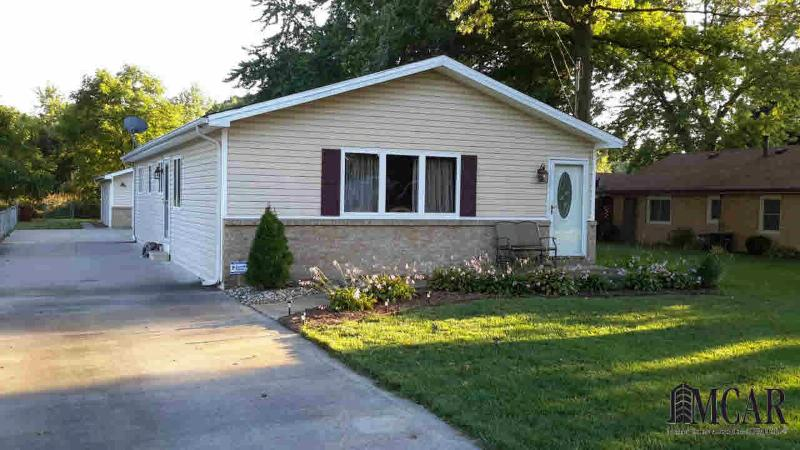 929 FAIRFIELD AVE Temperance, MI 48182 by The Danberry Company $124,000