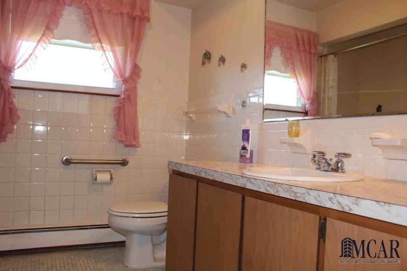 9009 N ANN ARBOR RD Dundee, MI 48131 by Key Realty One $279,000