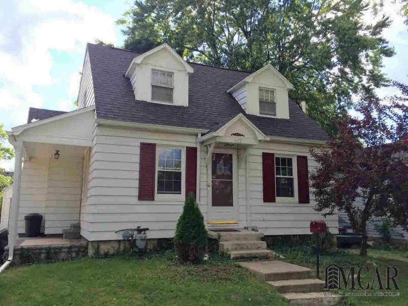 612 ROSEWOOD AVE Monroe, MI 48162 by Century 21 Allstar R.e. Team $105,000