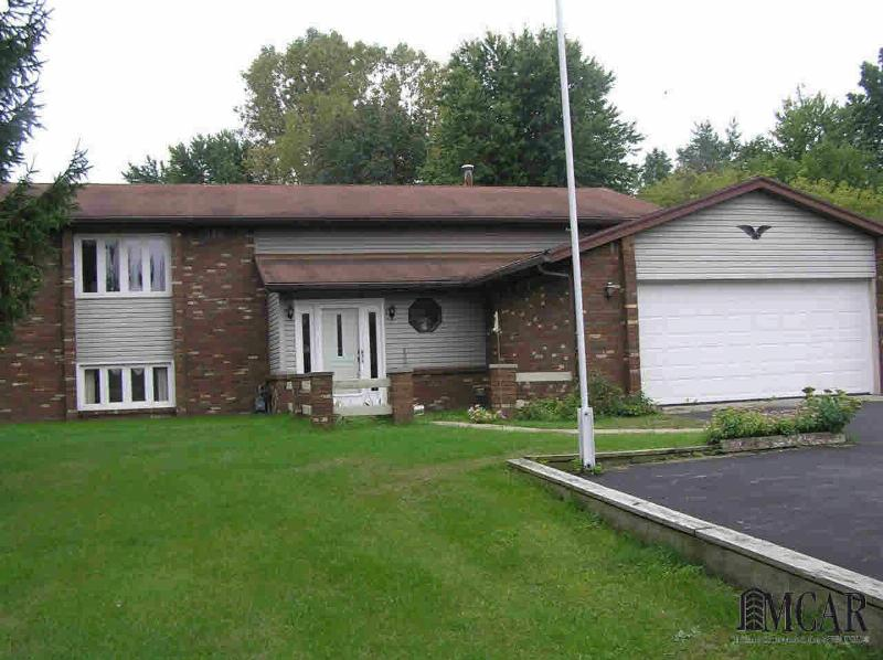 1303 W DEAN RD Temperance, MI 48182 by The Danberry Company $199,900