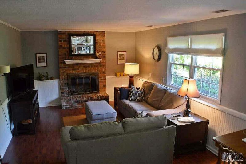 7612 CHAPEL VIEW COURT Temperance, MI 48182 by Key Realty One $169,900